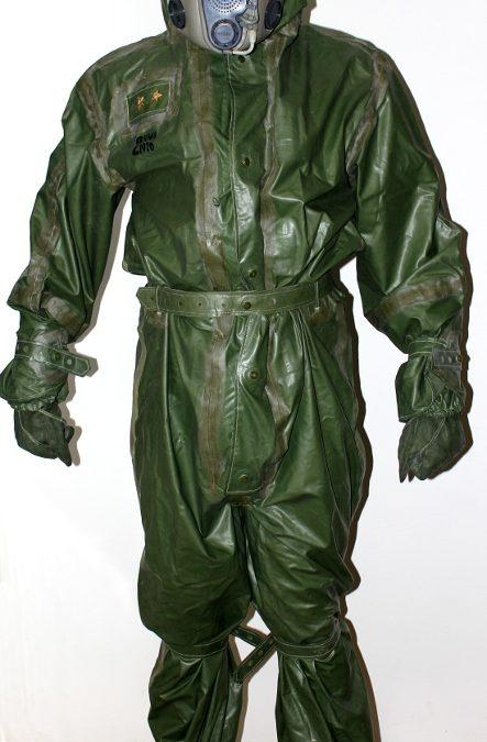 Recenze: OPCH 70 – český protichemický oblek