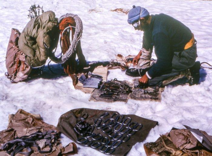 Překlad z Gearjunkie.com – Historický seznam výbavy: Horolezci v roce 1942 byli tvrdí jako ocel